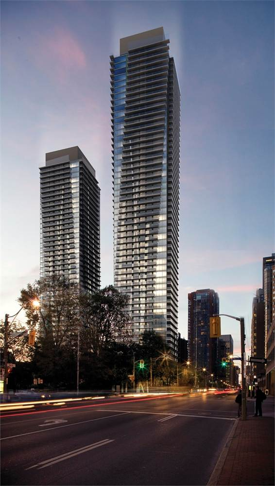 ucondominiums_exterior_dusk_south_lr02
